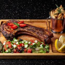 Aperitivo Jetset Lounge Jumbo Pork Chop